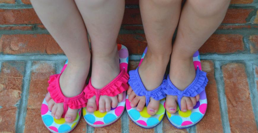 Consejos para elegir el calzado de verano para niños